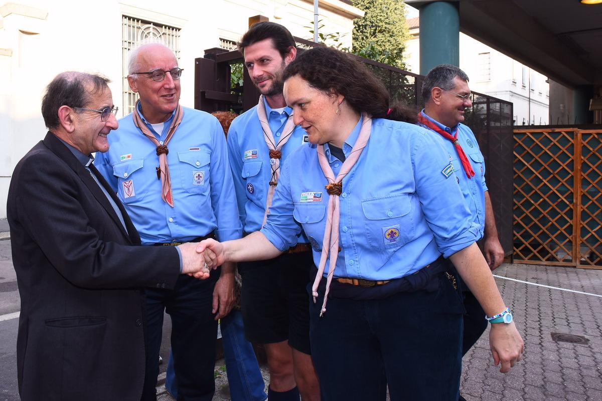 Mons. Mario Delpini alla Casa Scout di Milano